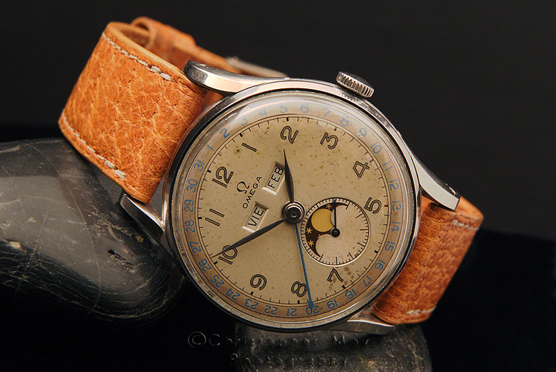 1948 Omega Cosmic cal. 27 DL PC<br /> Info from Omega:<br /> Manufactured on December 1946 (movement only) delivered to our Agents in Uruguay in March 1948 as a complete watch of ref. CK 2471.