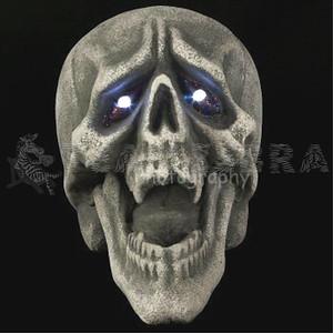 VAMPIRE DEMON SKULL Fangs Light-Up Eyes LifeSize Gothic Halloween Prop