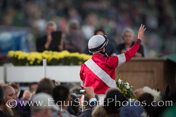 Brian Hernandez waves to the Breeders' Cup crowd in recognition of their applause.