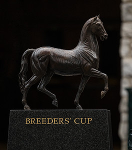 Breeders' Cup statue at Keeneland 10.30.20.