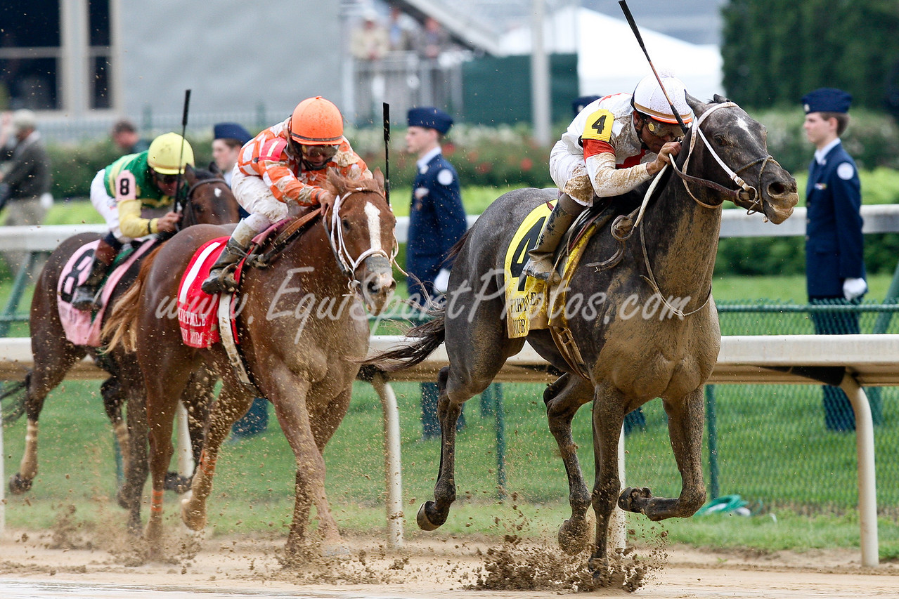Four Gifts (Even the Score) wins the Eight Belles Stakes at Churchill Downs.  Ridden by Shaun Bridgmohan owned by Heiligbrodt Racing and Trained by Steve Asmussen.  05.02.09.