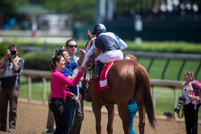 Curalina (Curlin) wins the La Troienne (G1) at Churchill Downs on 5.6.2016. Johnny Velazquez up, Todd Pletcher trainer, Eclipse Thoroughbred Partners owners.