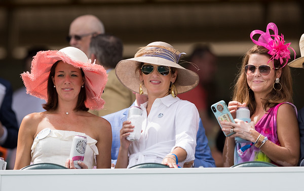 Patrons on Oaks Day 5.03.19