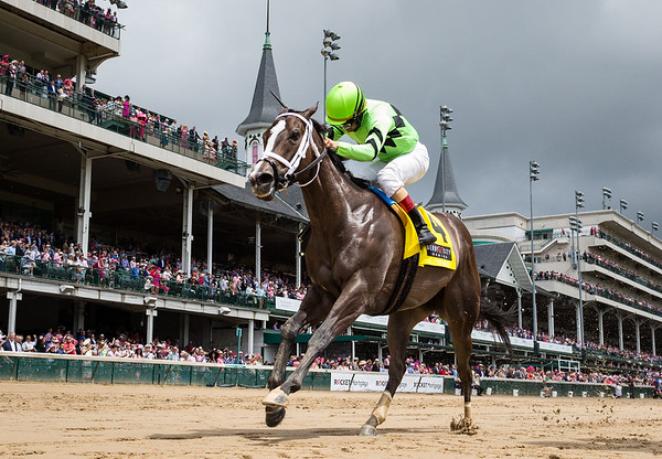 Break Even (country day) wins the Eight Belles (G2) at Churchill Downs on 5.3.2019. Shaun Bridgmohan up, Brad Cox trainer, Klien racing owner.