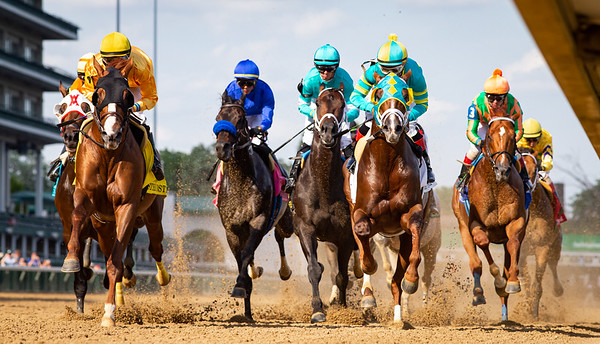 """The field comes under the wire for the first time in the Stephen Foster Stakes, a """"Win and You're In"""" for the Breeders' Cup Classic, at Churchill Downs 6.26.21."""