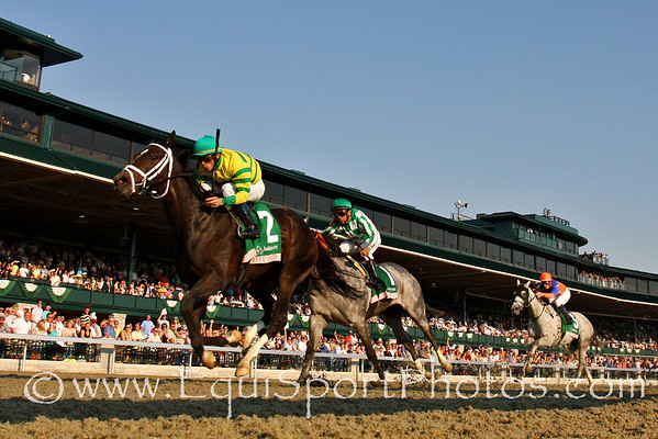 Panty Raid, with Garrett Gomez up, wins the Juddmonte Spinster Stakes at Keeneland Race Course. Lexington, Ky. 10.07.2007