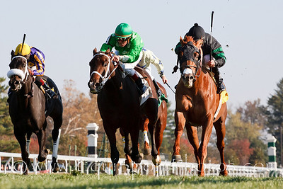 Formulaforsuccess (black cap, Broken Vow), Robby Albarado up, wins an Allowance at Keeneland 10.29.2010