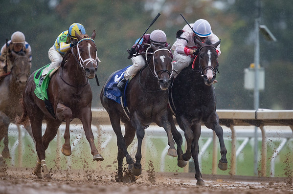 """Flameaway (Scat Daddy) on the outside, wins the Dixiana Bourbon (G3 """"Win and You're In"""") at Keeneland on 10.8.2017.  Julien Leparoux up, Mark Casse trainer, John Oxley owner."""