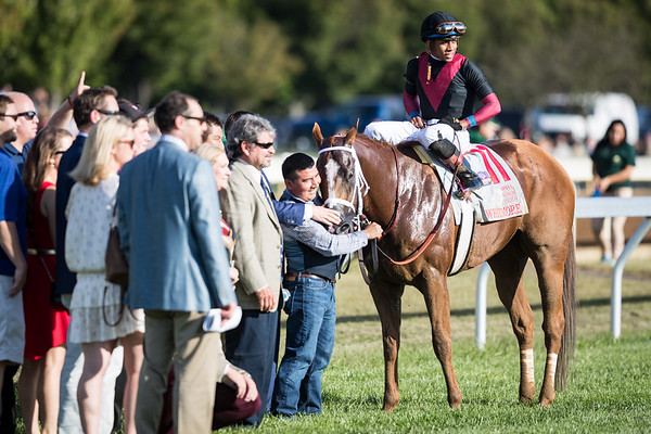 Whitmore (Pleasantly Perfect) wins the Stoll Keenon Ogden Phoenix (G2) at Keeneland on 10.6.2017. Manuel Franco up, Ron Moquett trainer, Robert LaPenta, Southern Springs Stables and Head of Plains Partners owners.
