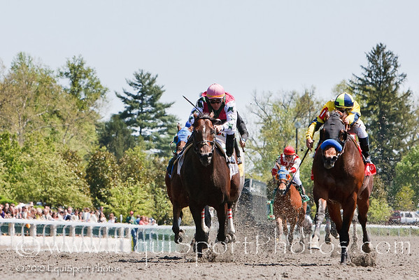 Gridiron (right, Giant's Causeway), Javier Castellano up), wins an Allowance at Keeneland 4.17.2010