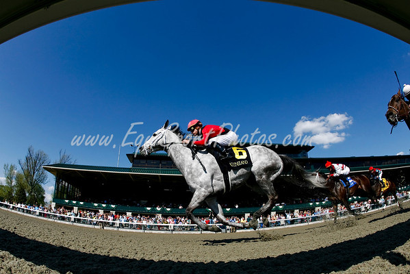 Korbyn Gold (Gold Case), Julien Leparoux up, wins an Allowance/Claiming race at Keeneland 4.23.2008 (EquiSport Photos)