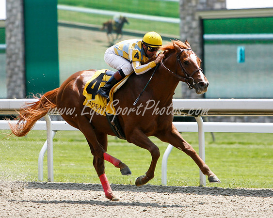 I'm So Lucky (Langfuhr), Kent Desormeaux up, breaks Maiden at Keeneland 4.25.2008 (EquiSport Photos)