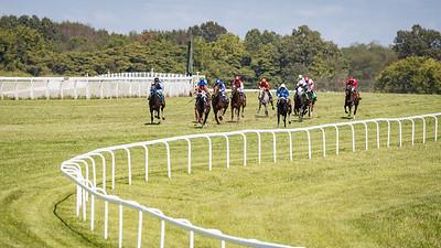 Racing action at Kentucky Downs, 9.09.17.