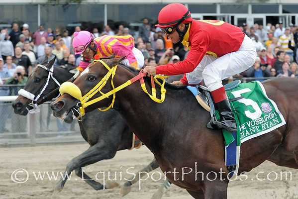 Giant Ryan and Cornelio Velasquez (inside) hold off Force Freeze and Paco Lopez to win The
