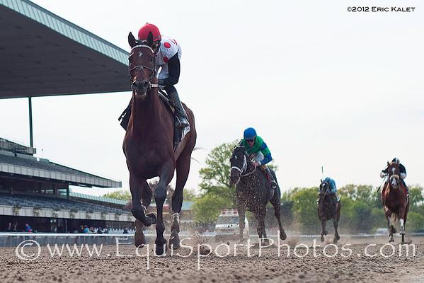 To Honor and Serve (Bernardini), Jose Lezcano up, wins the 2012 GIII Westchester Stakes.