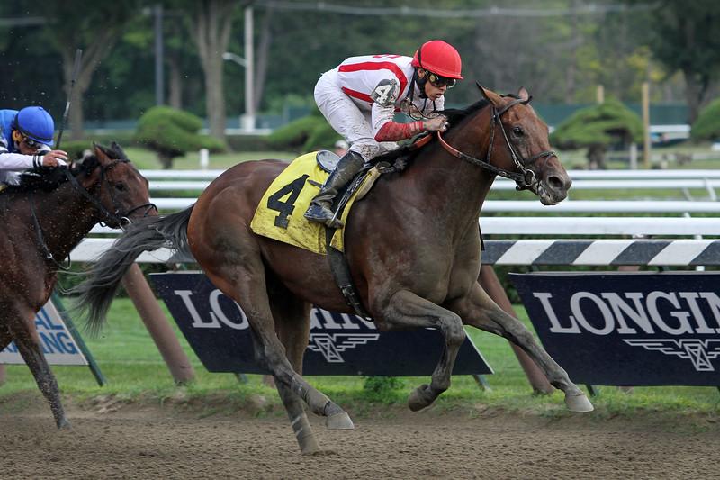 Economic Model (Flatter) and jockey Irad Ortiz Jr. win a MSW at Saratoga Racecourse 8/8/15. Trainer: Chad Brown. Owner: Klaravich Stables