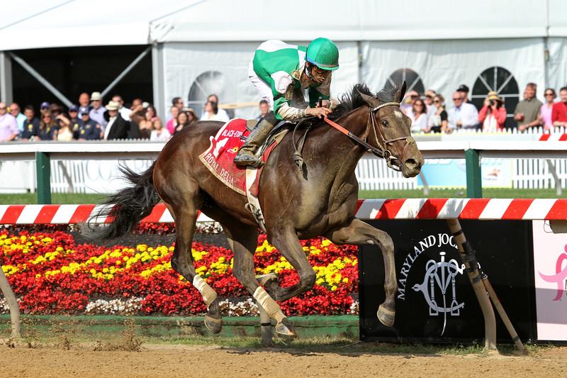 Royal Delta (Empire Maker) and jockey Jose Lezcano win the Black-Eyed Susan (Gr. II) at Pimlico Raceocourse 5/20/11. Bill Mott trainer, Palides Investments N.V. owner