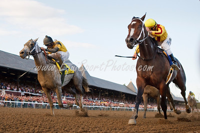 Rachel Alexandra (Medaglia d Oro), Calvin Borel up, wins the Woodward Stakes at Saratoga 9.05.2009 over Macho Again (2nd, left), and Bullsbay (3rd). (EquiSport Photos)