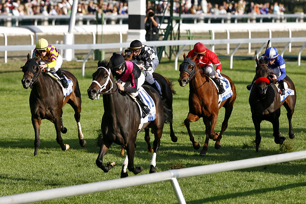 Bel Air Beauty, Mark Guidry up, wins the Pin Oak Valley View Stakes at Keeneland Race Course. Lexington, Ky. 10.19.2007