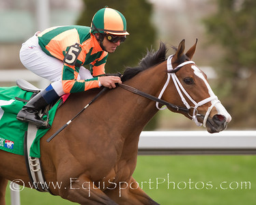 Summer Soiree (War Front), Gabriel Saez up, wins the Bourbonette Oaks at Turfway for trainer Larry Jones and owners Brereton & Bret Jones and Wahoo Partners. 3.26.2011