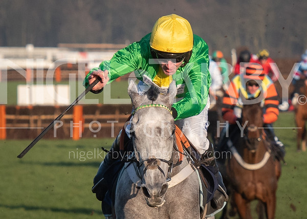 Doncaster Races - Thu 06 February 2020