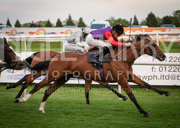 Doncaster Races - Fri 31 May 2019