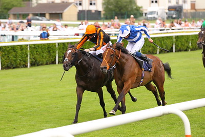 Siam Fox and William Buick [near] just beats Zagato in the Sky Sports Racing Handicap at Doncaster. 13/6/2021 Pic Steve Davies
