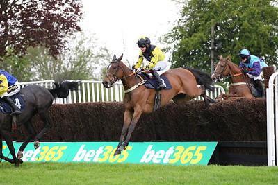Uttoxeter Race 4. 15/5/2021 Pic Steve Davies