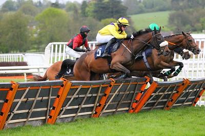 Uttoxeter Race 7. 15/5/2021 Pic Steve Davies