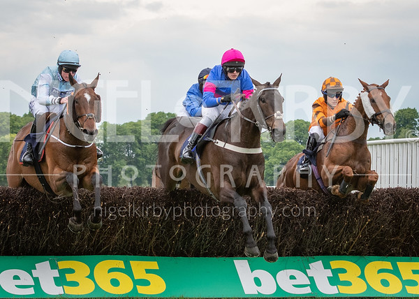 Worcester Races - Fri 24 May 2019