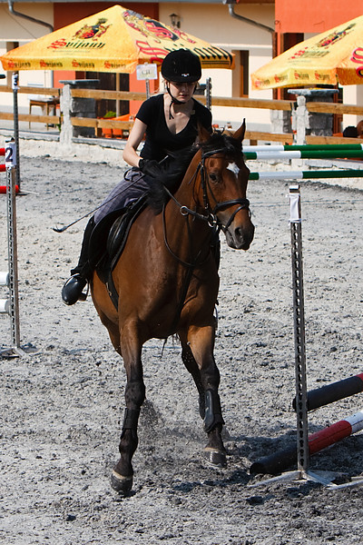 Simonova Katerina na koni Chablis