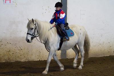 Lucie Jezkova na koni 2010-02