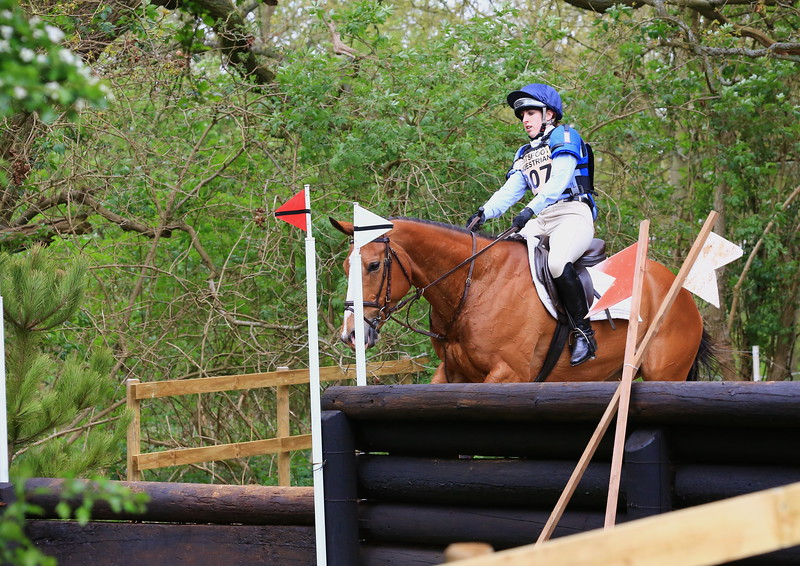 307 - Lucy Swan riding HAYLEYS GIRL (Coltsfoot Equestrian BE100 Section G, fence10) Jumped the course clear