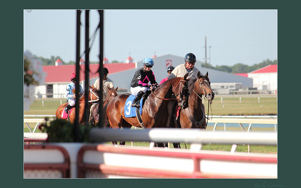 Horse Racing - Indiana Downs