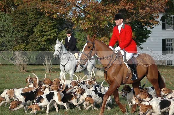 John, Huntsman, moving off with hounds Middleburg Hunt Groveton #4