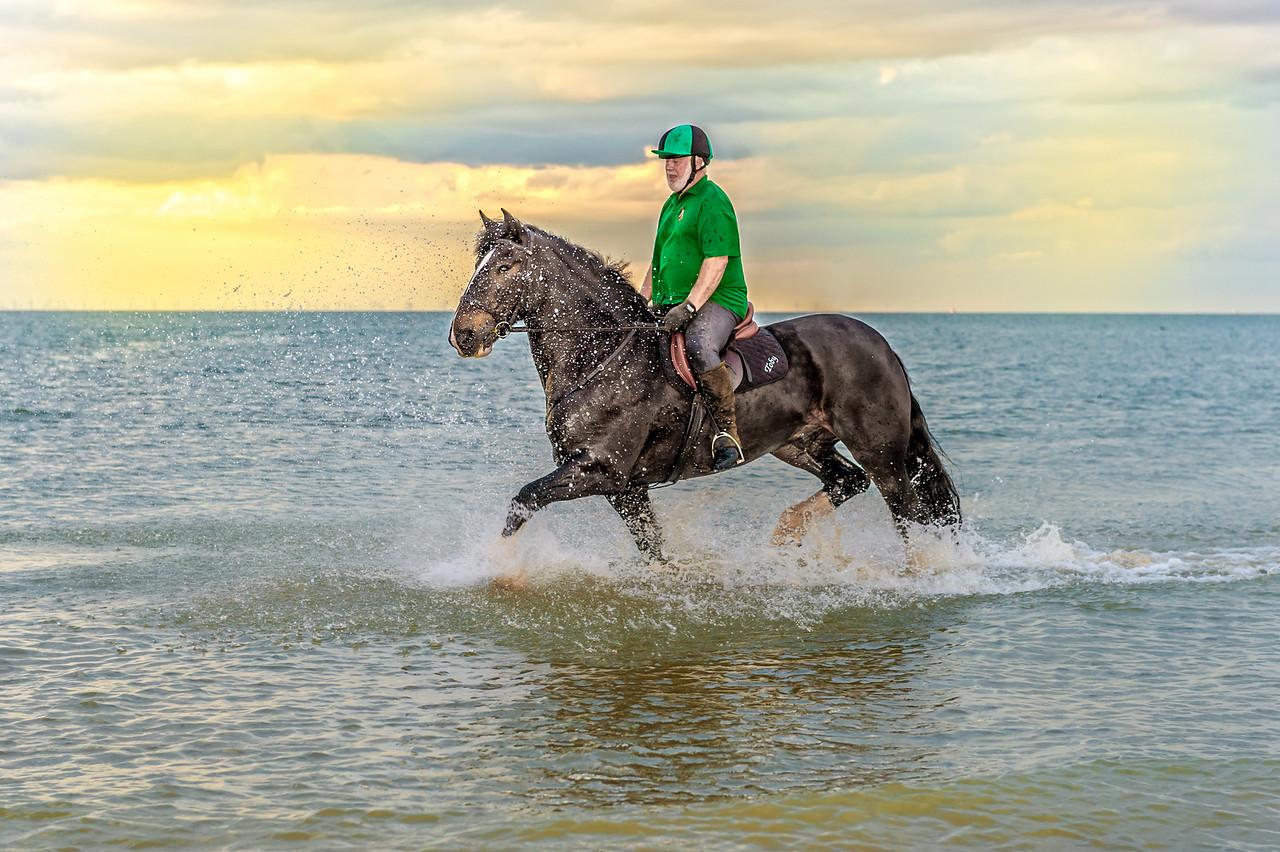 MargateBeach-Horses-splash-55
