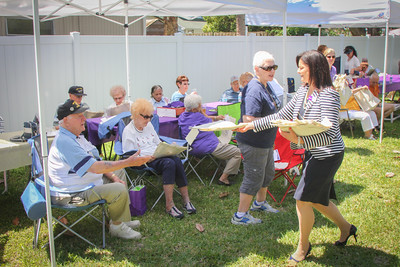 VolunteerPicnic-41014-2039