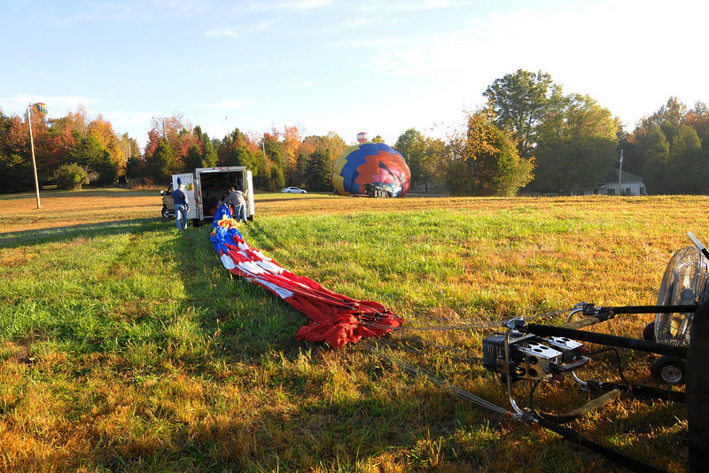 The balloon is laid out and ready to be spread.