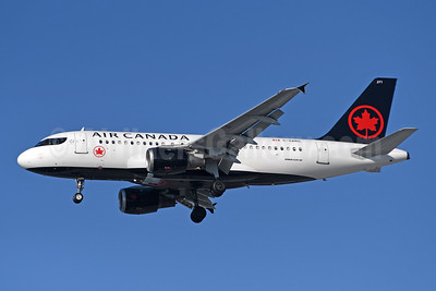 Air Canada's first A319 in the new livery
