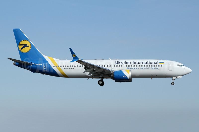 First MAX 8 for Ukraine International
