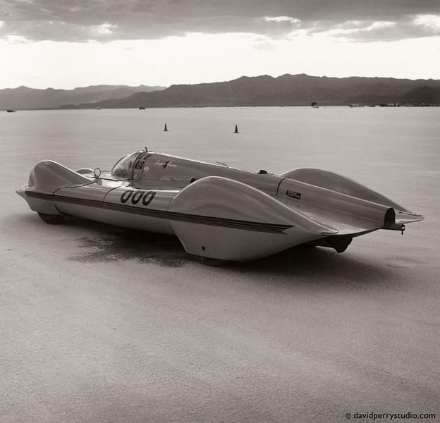 Land speed racing at Bonneville Salt Flats