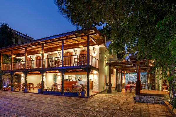 Villa 72