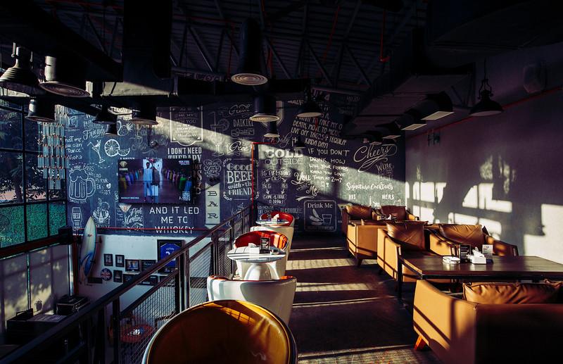 Oskar Bar & Grill