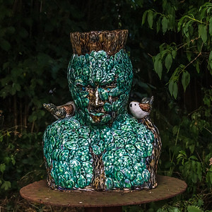 The Green Man with a Chick on both shoulders_4493.jpg