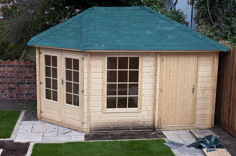 summer house with roof