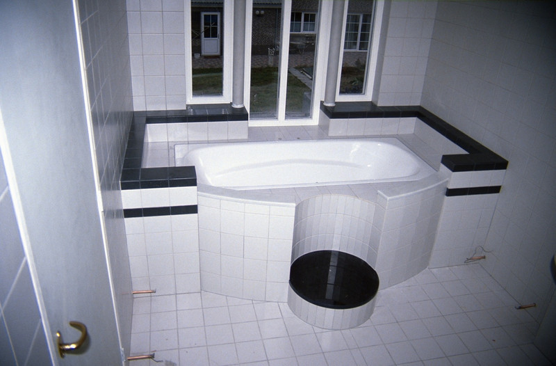 the bathroom 9 (homebuilding 1994)