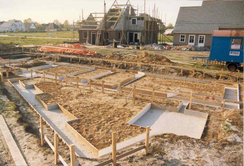 foundation (April 1989, building my house)