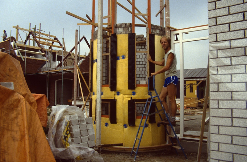 insulate the stairtower (June 1989, building my house)