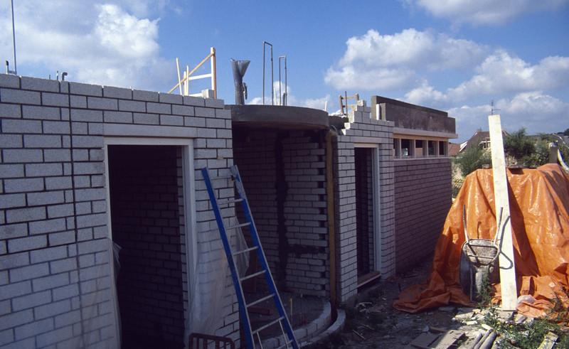 round concrete kitchenbeam (building my house)