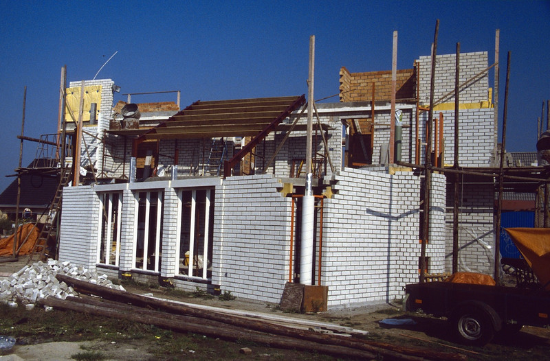 roofworks (Aug.1989 building my house)